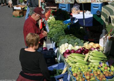 92510 missoula market 9262 corn griz_MontanaPictures_Net