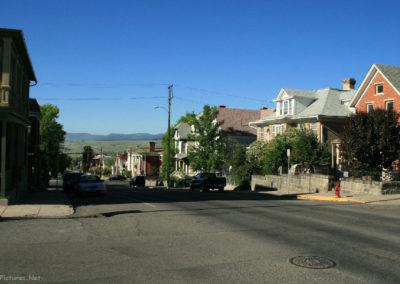 62108 Traf am cenex street 1216_MontanaPictures_Net