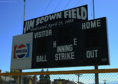 62108 Traf scown field 5750 sign_MontanaPictures_Net