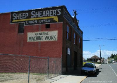 62208 porch 7738 sheep union_MontanaPictures_Net