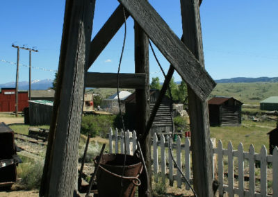 62808 museum ogirl headframe wood 0289_MontanaPictures_Net