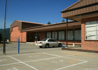 71608_thompson_falls_red_school_front_4135_MontanaPictures_Net