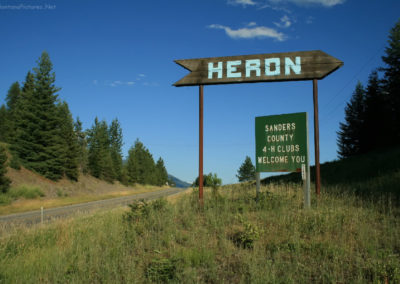 71809 heron 4877 sign_MontanaPictures_Net