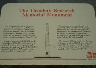 7208 Marais monument 1181 sign_MontanaPictures_Net