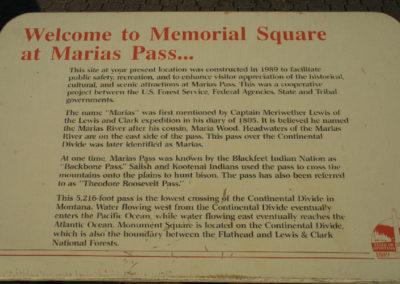 7208 Marais pass 1179 sign_MontanaPictures_Net