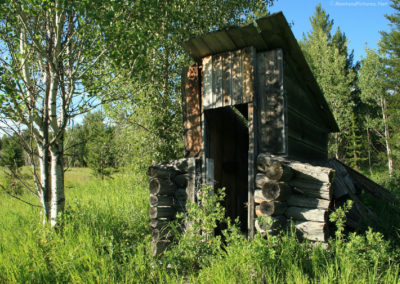 72208 border outhouse 8631 sun_MontanaPictures_Net