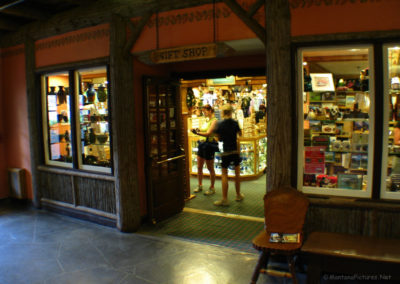 72508 Donald 2786 gift store_MontanaPictures_Net