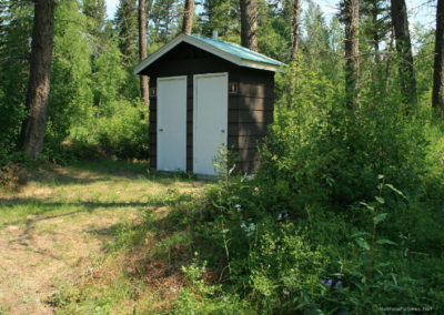 72598 log outhouse 9579_MontanaPictures_Net