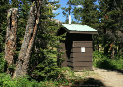 72808 Cut bank outhouse 1761_MontanaPictures_Net