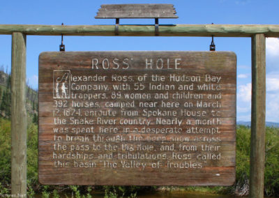 60207 sula ross hole 0801 read sign_MontanaPictures_Net