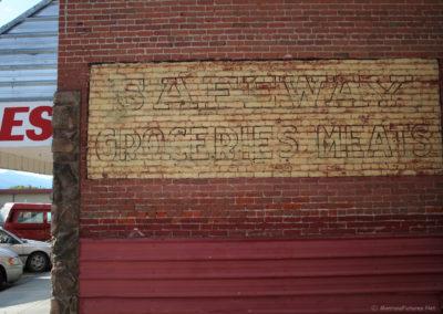 60307 hamilton old safeway sign 0551_MontanaPictures_Net