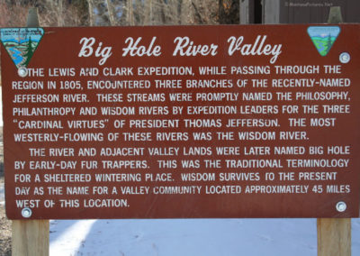 12307 divide hole sign_MontanaPictures_Net