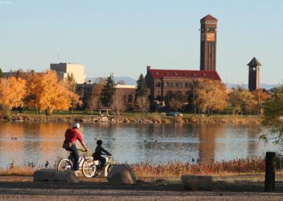 101307 gf park river bench bikes 9118 _MontanaPictures_Net