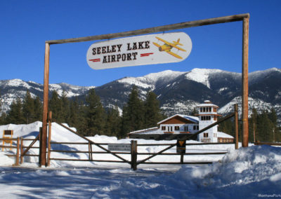 22308 seeley airport gate 6858_MontanaPictures_Net
