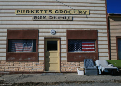 30710 bynum 4384 grocery front_MontanaPictures_Net