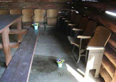 30710 dup 4541 movie seats_MontanaPictures_Net