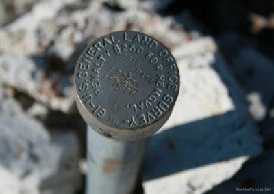 30710 swift 4631 dam geo marker read_MontanaPictures_Net