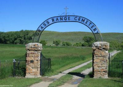 62610 grass range 6637 cemetery_MontanaPictures_Net