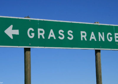 62719 grass range 6792 road sign_MontanaPictures_Net