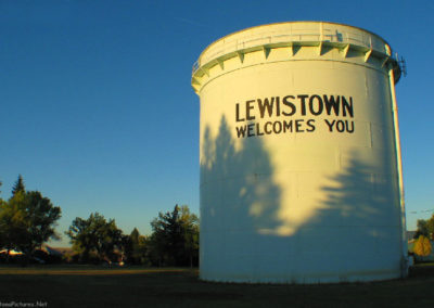 92504 lewistown water tank_MontanaPictures_Net