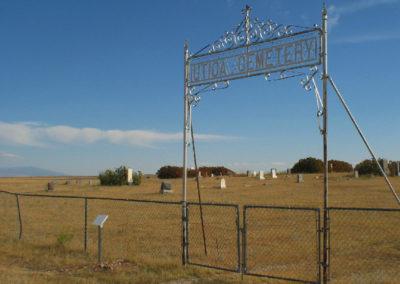 92604 utica cemetery gate 1474_MontanaPictures_Net
