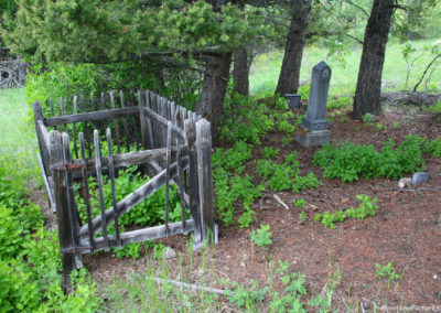 10506 Marysville 61707 cem 2424 fence_MontanaPictures_Net