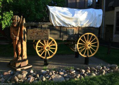 60510 big sandy school 9058 wagon_MontanaPictures_Net