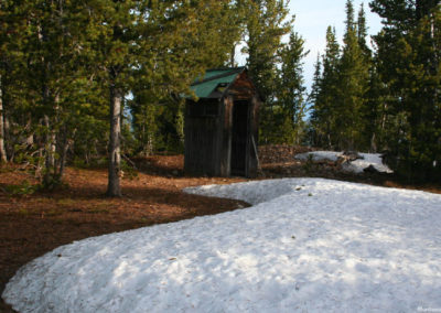61207 jack lo 2025 outhouse_MontanaPictures_Net
