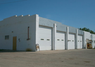 61509 froid 3376 white garage_MontanaPictures_Net