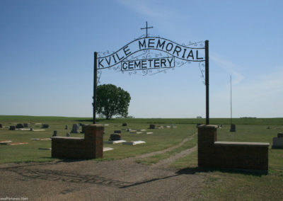 61509 froid 3380 kvile cemetery_MontanaPictures_Net