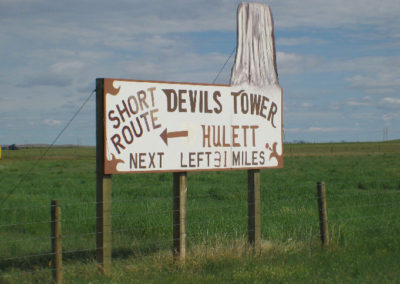 61804 Alzada Devils tower 5592 sign_MontanaPictures_Net
