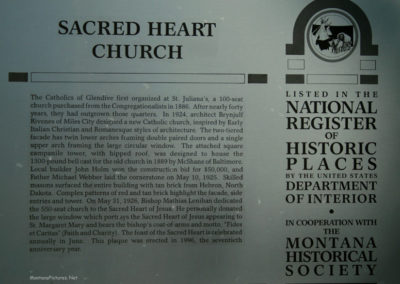 62607 glendive church sacred heart 1368 sign_MontanaPictures_Net