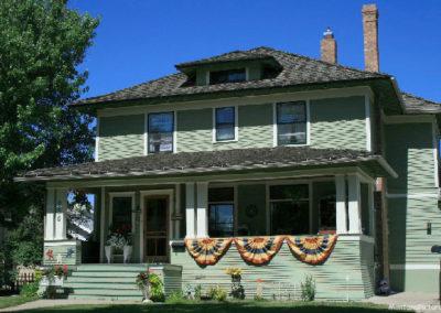 62607 glendive house banner porch 1631_MontanaPictures_Net