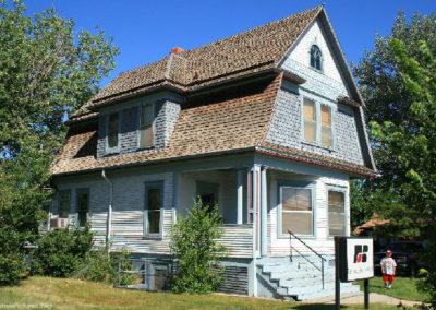 62607 glendive house financial 1502_MontanaPictures_Net