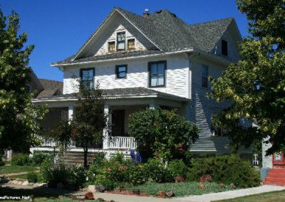 62607 glendive house foil better 1610_MontanaPictures_Net