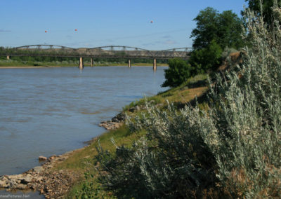 62607 glendive river bank down 1496_MontanaPictures_Net