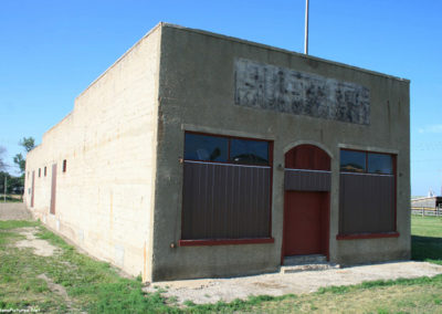 71711 terry rr cash 1247 store closed_MontanaPictures_Net