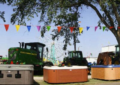 80506 sidney hottub fair sale _MontanaPictures_Net