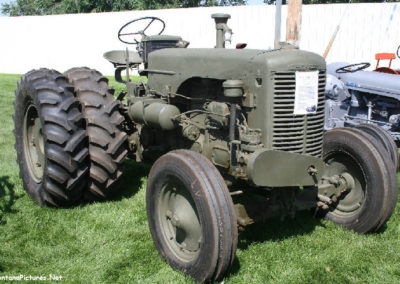 80506 sidney tractor rare army case_MontanaPictures_Net