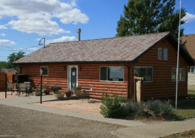 90710 big sandy 9272 cabin patio_MontanaPictures_Net