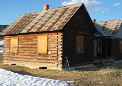 42804 Haggin cabin windows 1773_MontanaPictures_Net