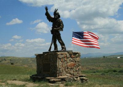 60808 wilsall 4808 statue_MontanaPictures_Net
