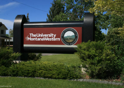 62612 Dillon 9078 western sign close_MontanaPictures_Net