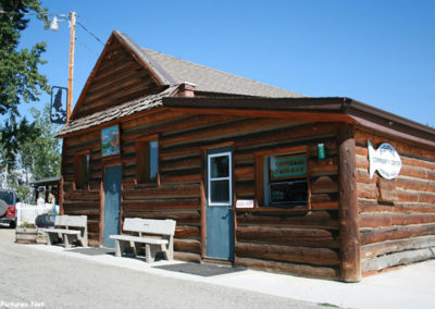 71112 fishtail library 0044 log cabin_MontanaPictures_Net