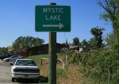 71112 fishtail mystic 0064 lake sign_MontanaPictures_Net