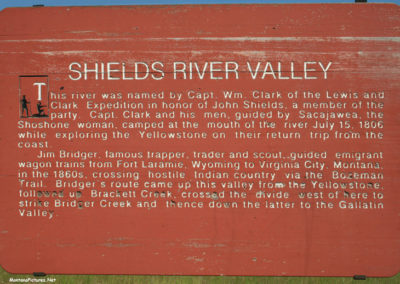 71210 wilsall shields sign 5130 read_MontanaPictures_Net