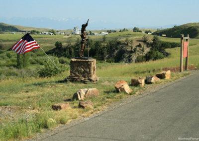 71210 wilsall statue 5253 far_MontanaPictures_Net
