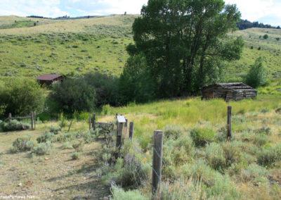 71607 blacktail orange rock cabin group 5978_MontanaPictures_Net