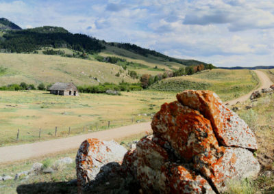 71607 blacktail orange rock pano_MontanaPictures_Net