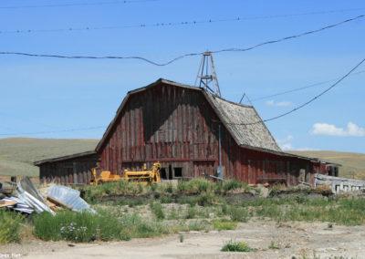 71807 monida red barn 7723_MontanaPictures_Net